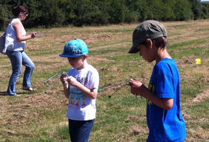 Youngsters dowsing